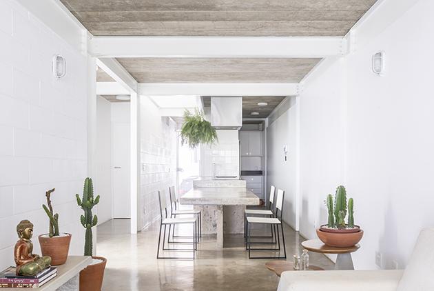 Casa 711H / BLOCO arquitetos