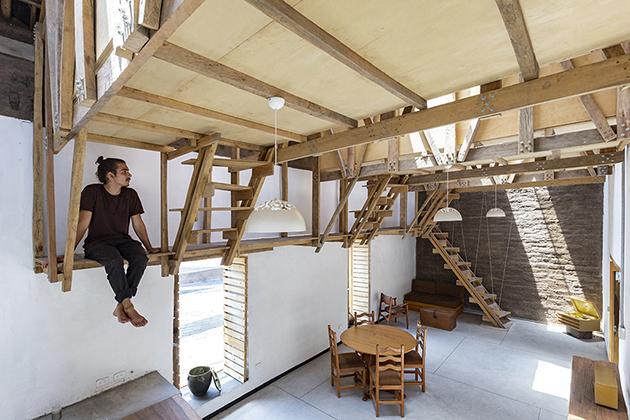 Casa de las camas en el aire / Al Borde