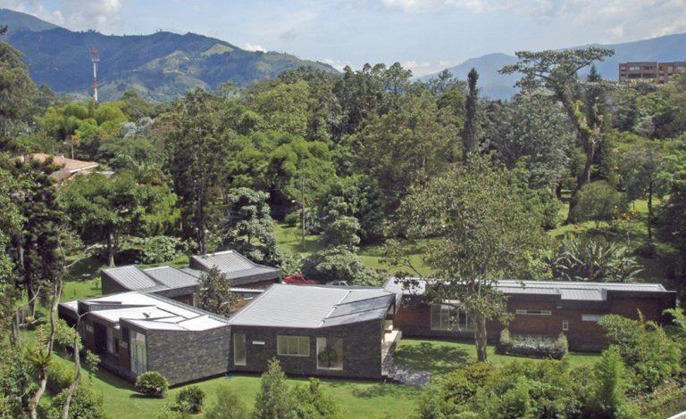 CAMILO RESTREPO - COLOMBIA